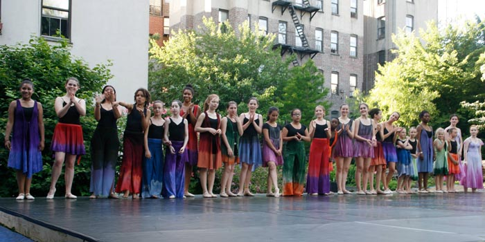 East Village Dance Project dancers at El Jardin del Paraiso | Photo: Hugh Burckhardt